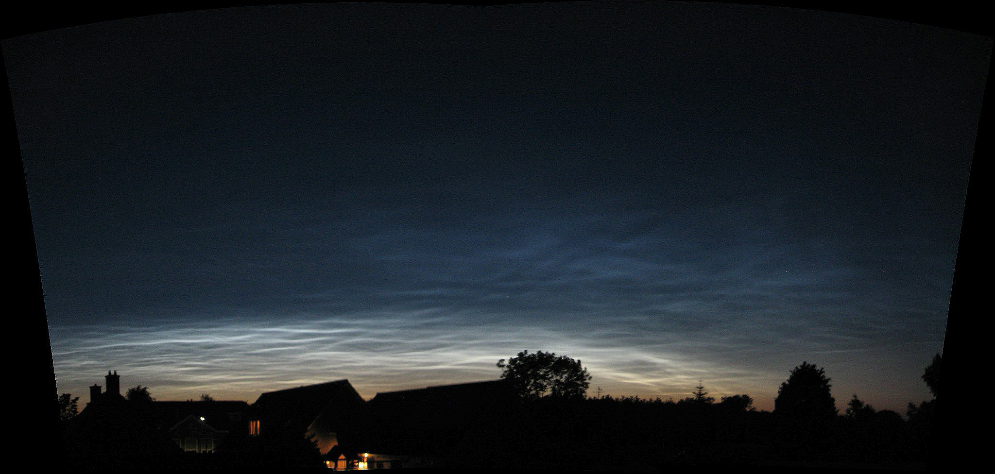 12-06-2019-noctilucent-clouds-22utc.jpg