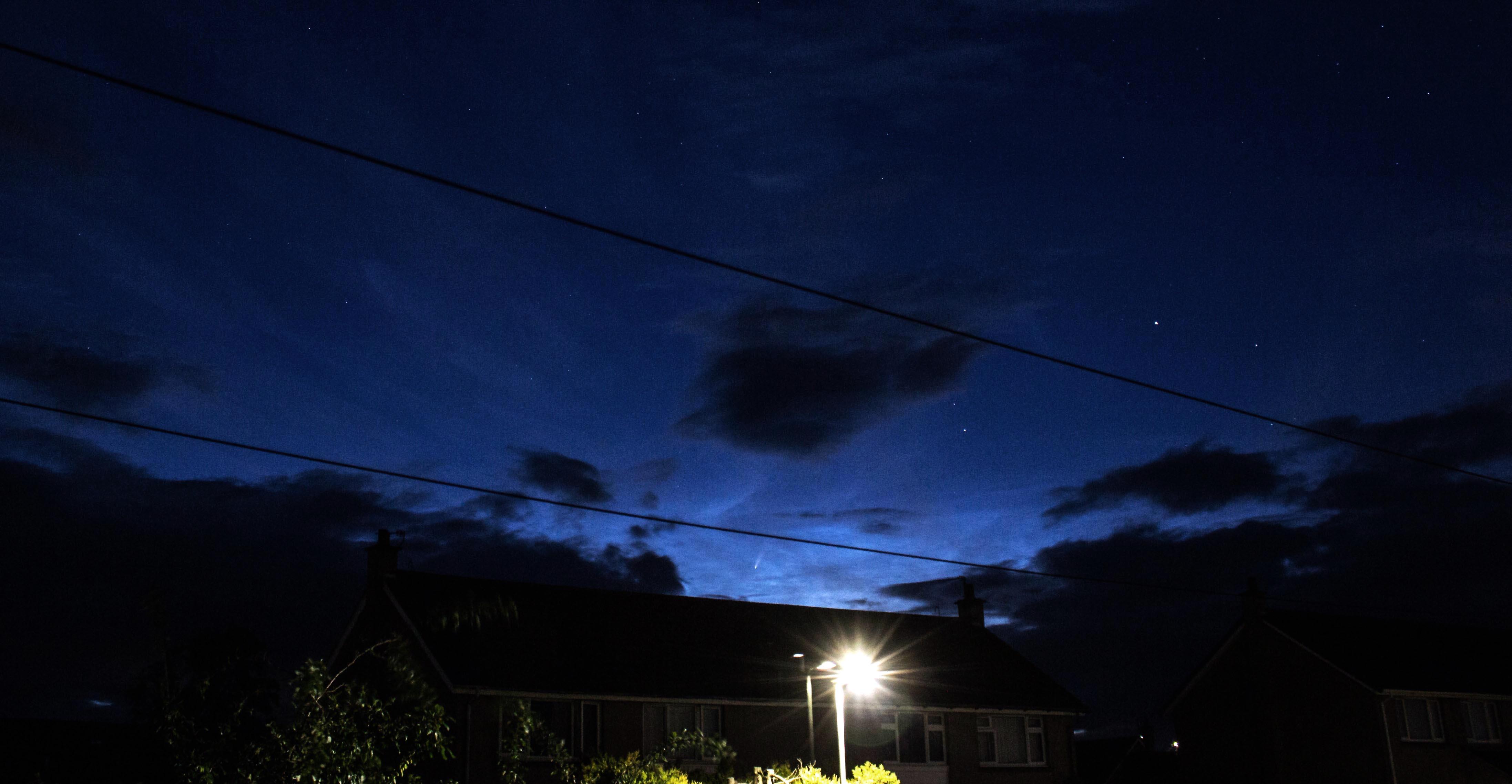 2310-jul-10-11-0032-ut-comet-neowise-r.jpg