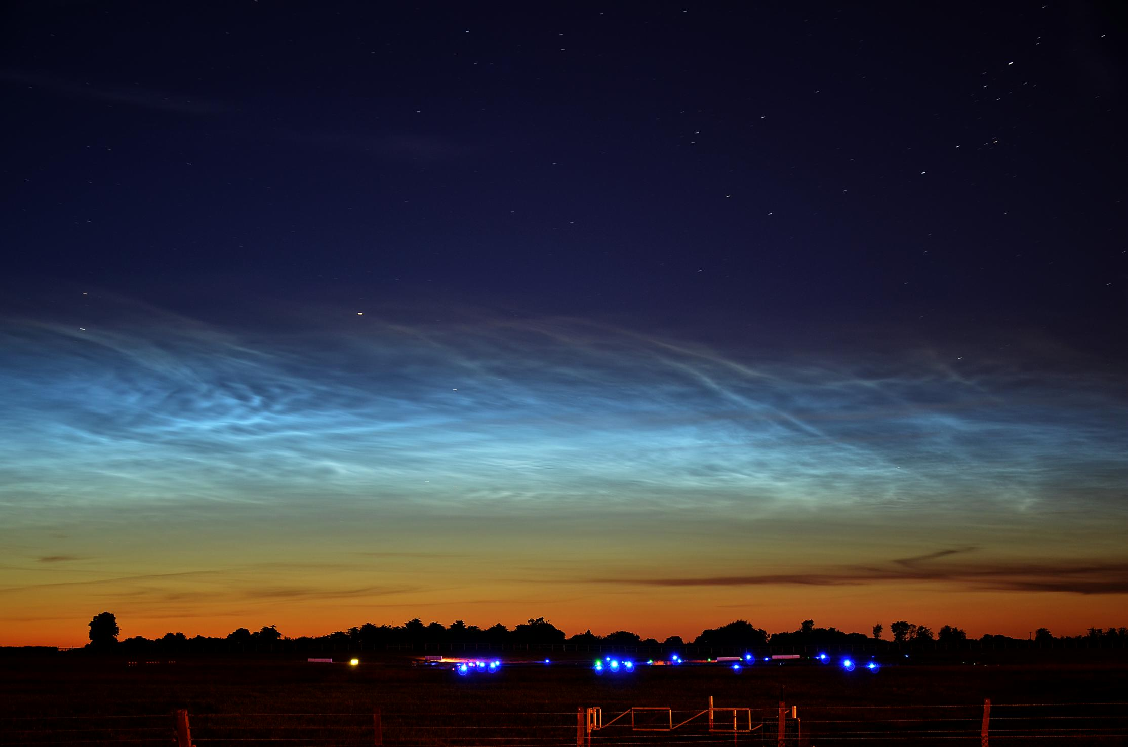 noctilucent-clouds-1-june-19th-20th-2014.jpg