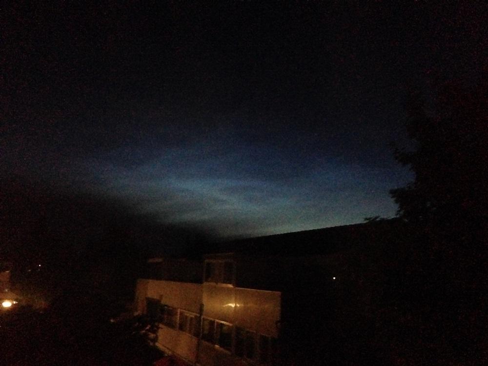 lichtende-nachtwolk-landsmeer.jpg