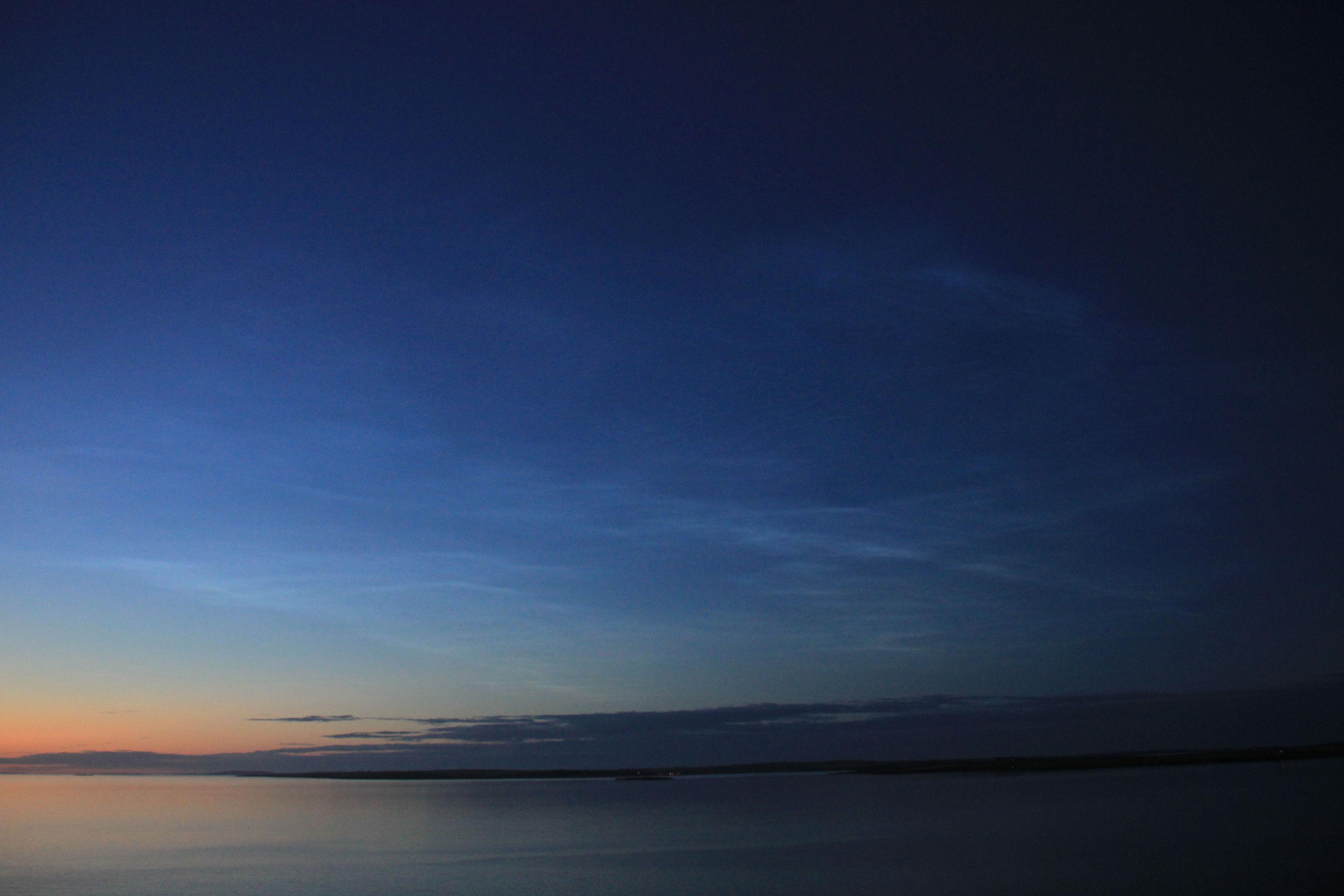 Noctilucent-cloud.jpg
